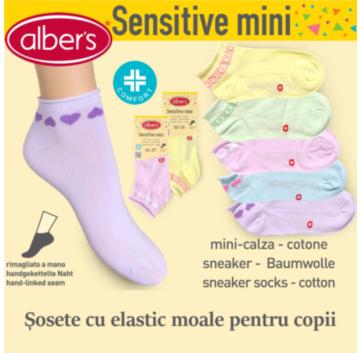 Sosete cu elastic moale pentru fete. Sunt incheiate manual si foarte confortabile. alber's Sensitive mini